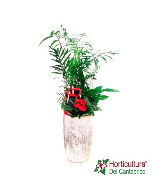 composición de planta en jarrón alto
